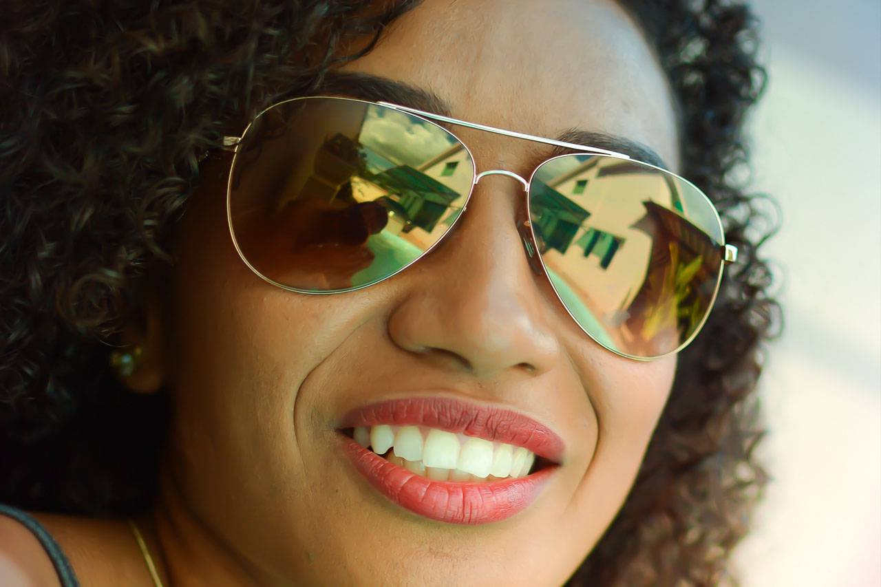 sunglasses-african-american-woman